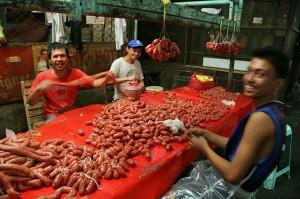 Tržnica v mestu Iloilo na Filipinih