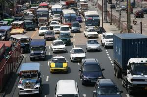 Promet v Manili se odvija zelo počasi