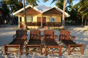 Naselje bungalovov Beach Placid na otoku Bantayan na Filipinih