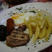Vegetarijanci naj se restavraciji La Cueva raje izognejo