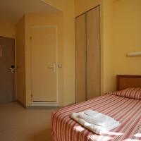 Soba v Hotellerie Saint Yves v Chartresu