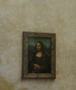 Mona LIza v muzeju Louvre