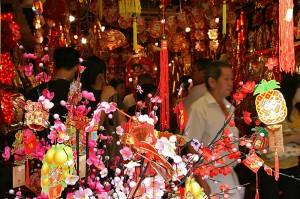 Kitajska četrt v Singapurju pred kitajskim novim letom