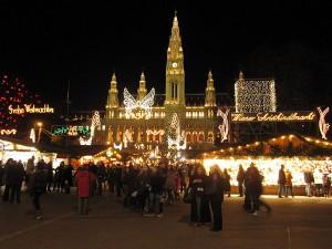 Božični sejem pred mestno hišo na Dunaju