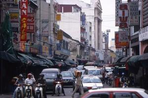 Kaotična kitajska četrt v Kuala Lumpurju