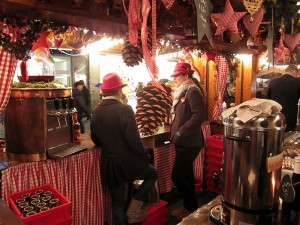 Dobrega kuhanega vina na božičnem sejmu v Münchnu nikoli ne zmanjka