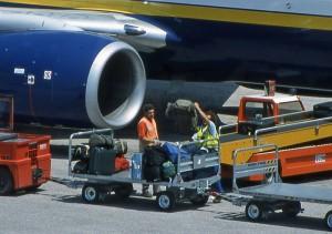 Pri pripravi prtljage za potovanje z letalom upoštevajte, da so letališki delavci vse prej kot nežni